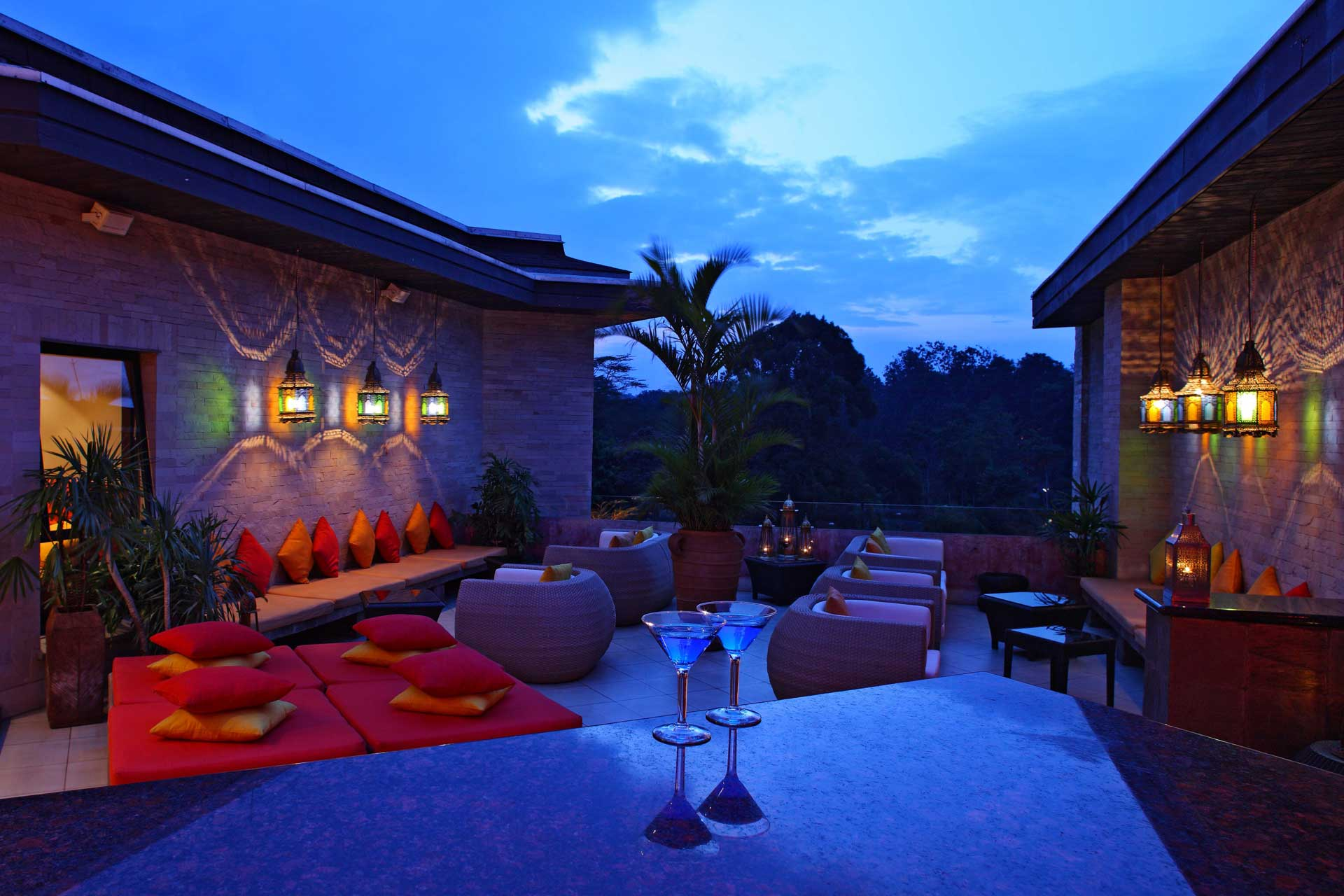 nest rooftop bar hotel nairobi 02