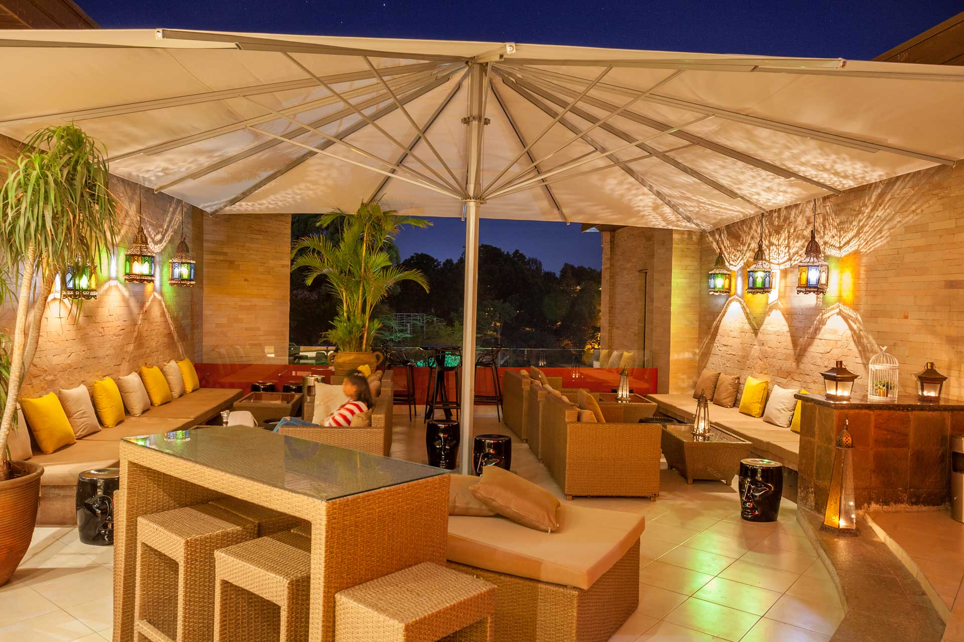 nest rooftop bar hotel nairobi 04
